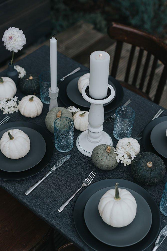 tovaglie a noleggio le inspiration halloween table setting